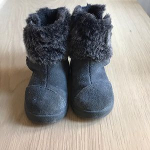 Toms Winter Boots with Fur detail